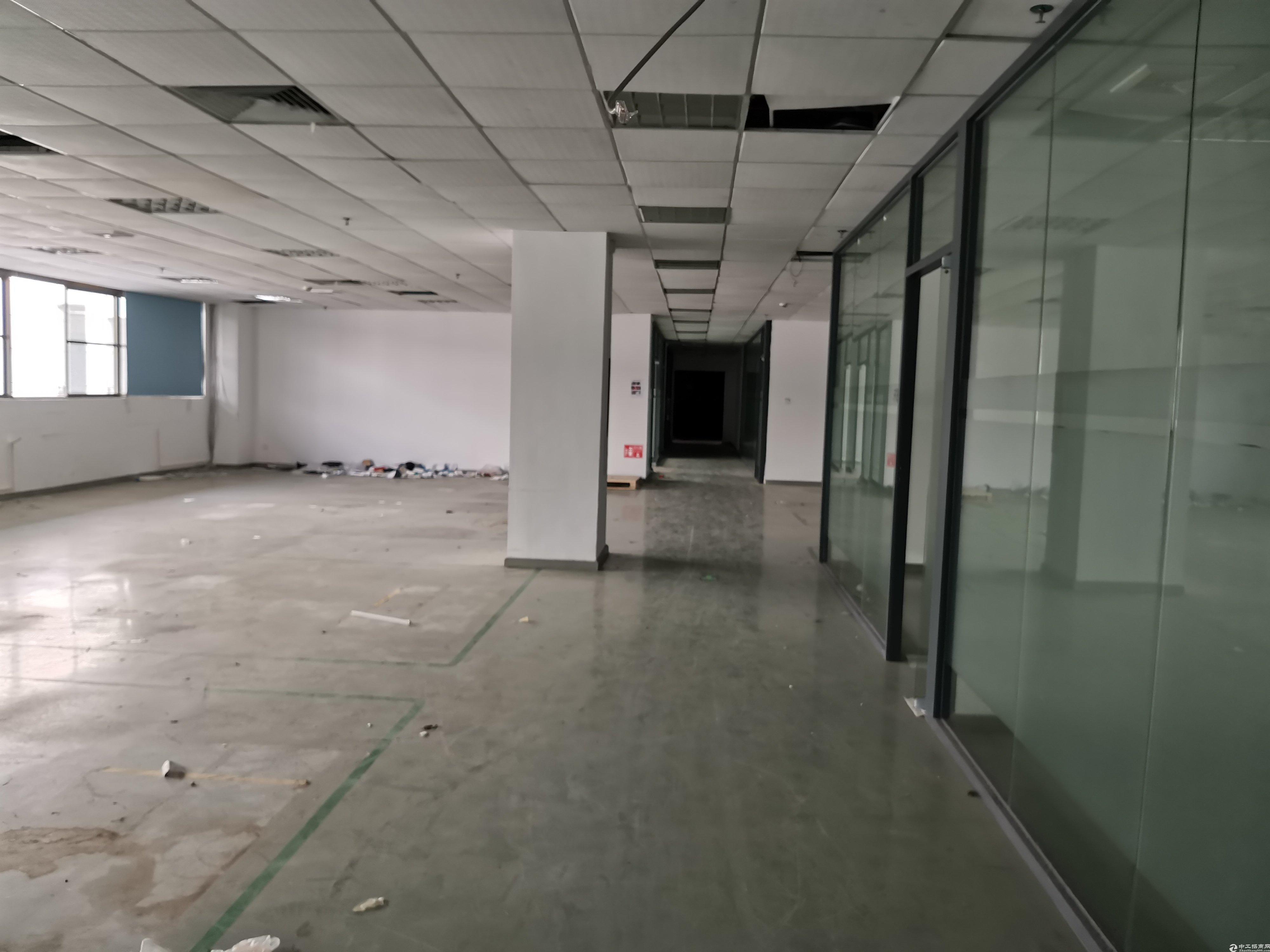 坪山大工业区红本厂房3200平方出租,带装修