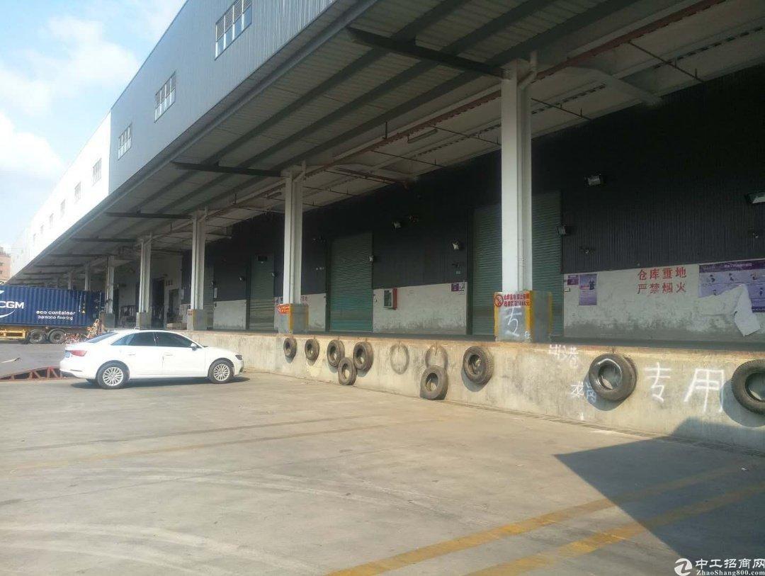 观澜桂花5000平物流仓库出租,带卸货平台和喷淋