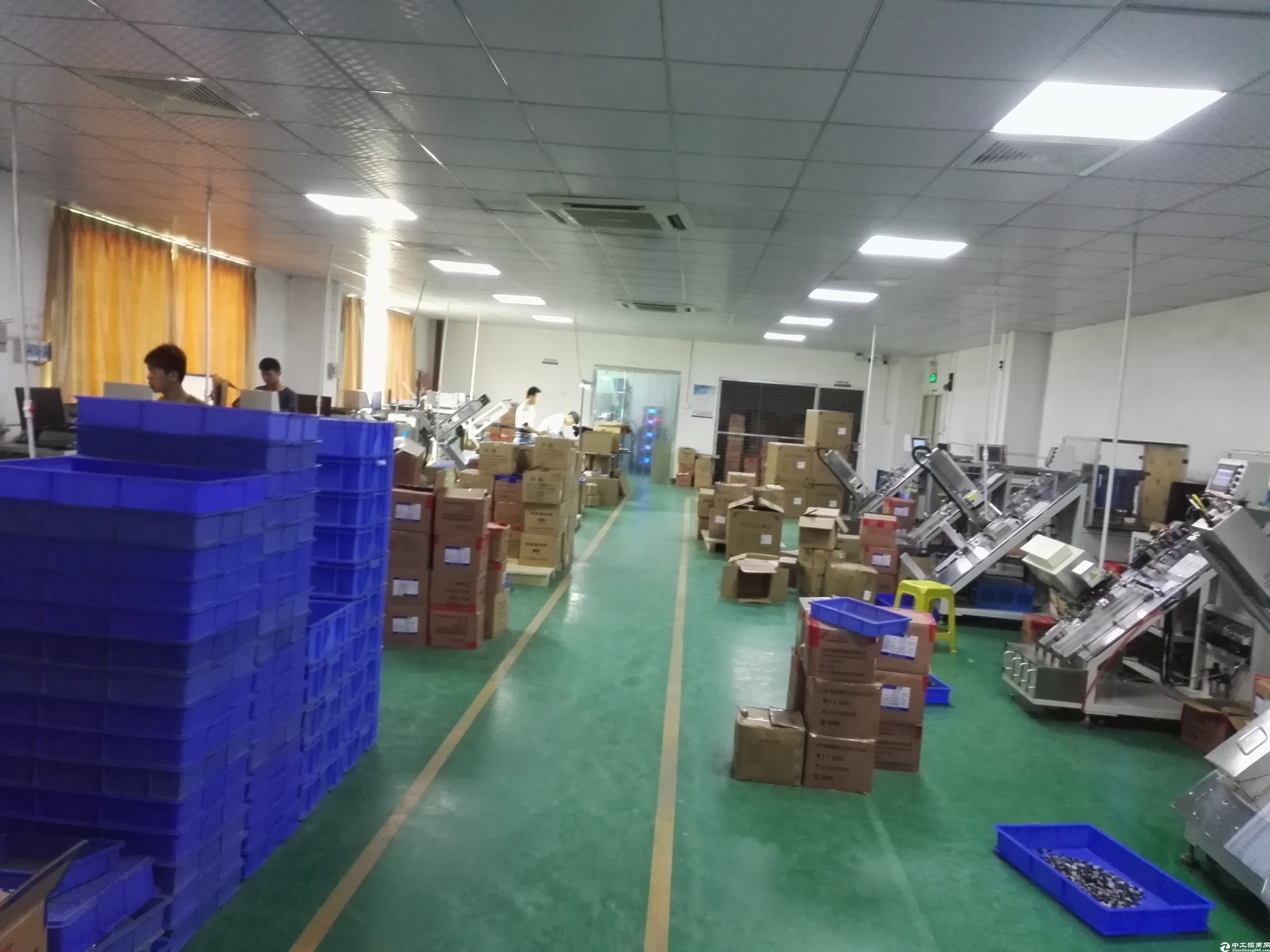 坪山中心区新出3楼680平米精装修厂房出租!200平仓库分租