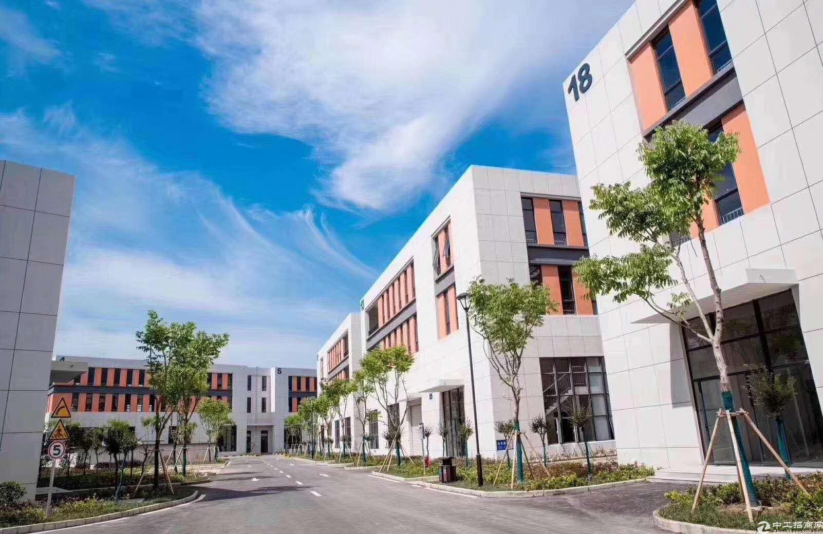出售苏州独栋两层标准厂房2000平50年产权