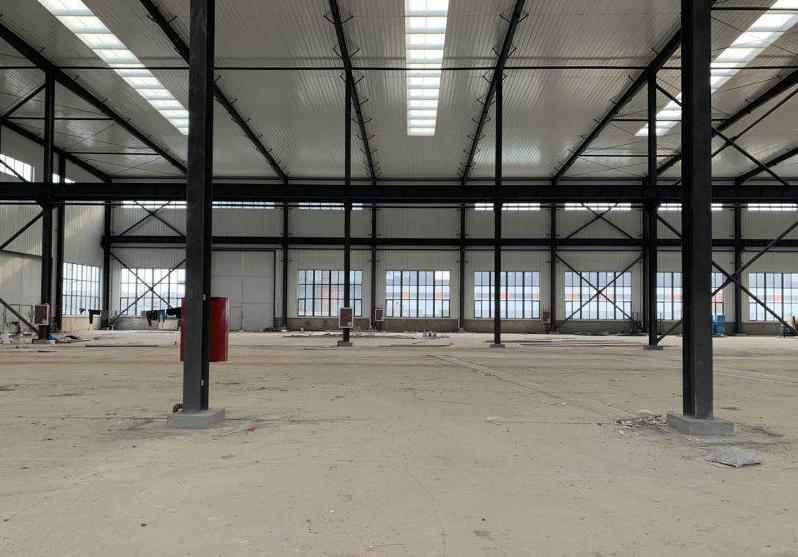 大型钢构厂房可做航车有环评利用率高.4000平方起租