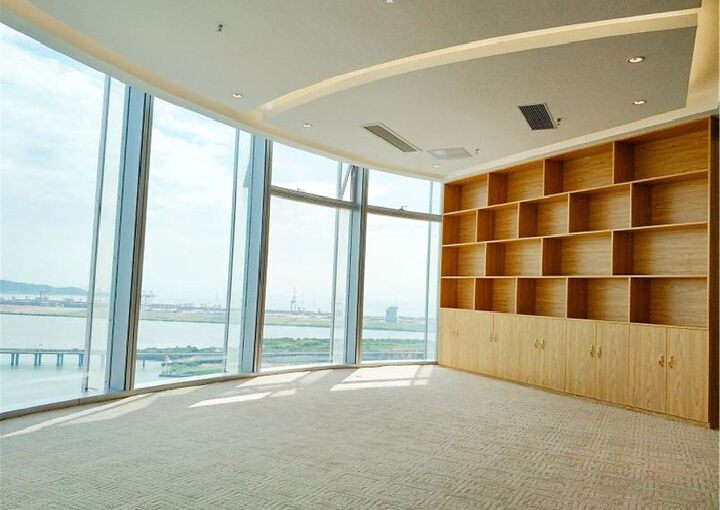 宝安中心区,易尚中心,精装505平,双面采光电梯口图片5