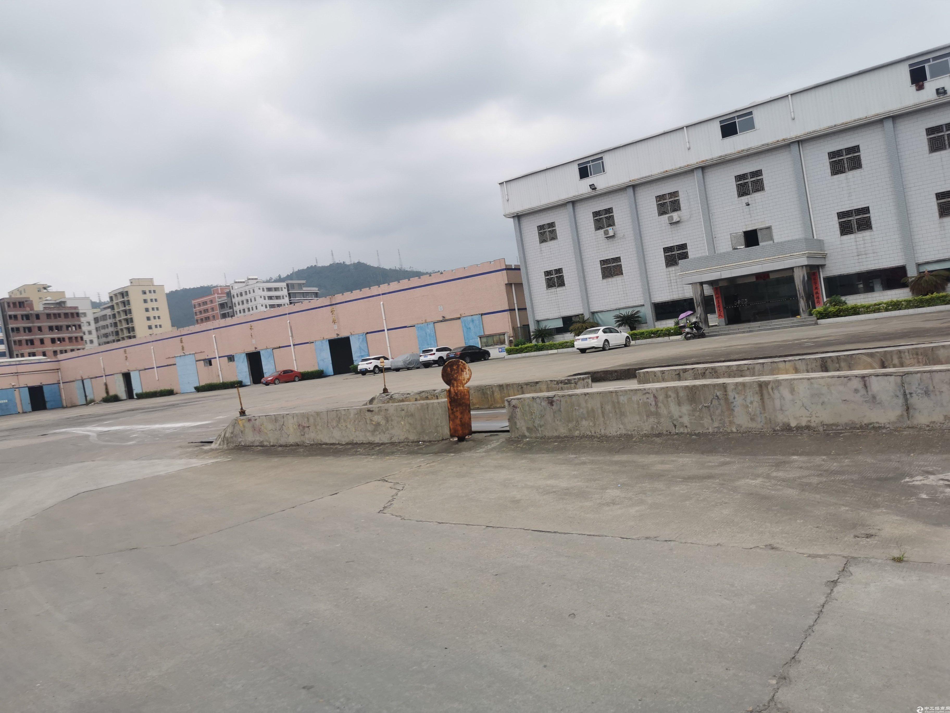 新圩长布村工业园有空厂房3500平方厂房内现成行车.
