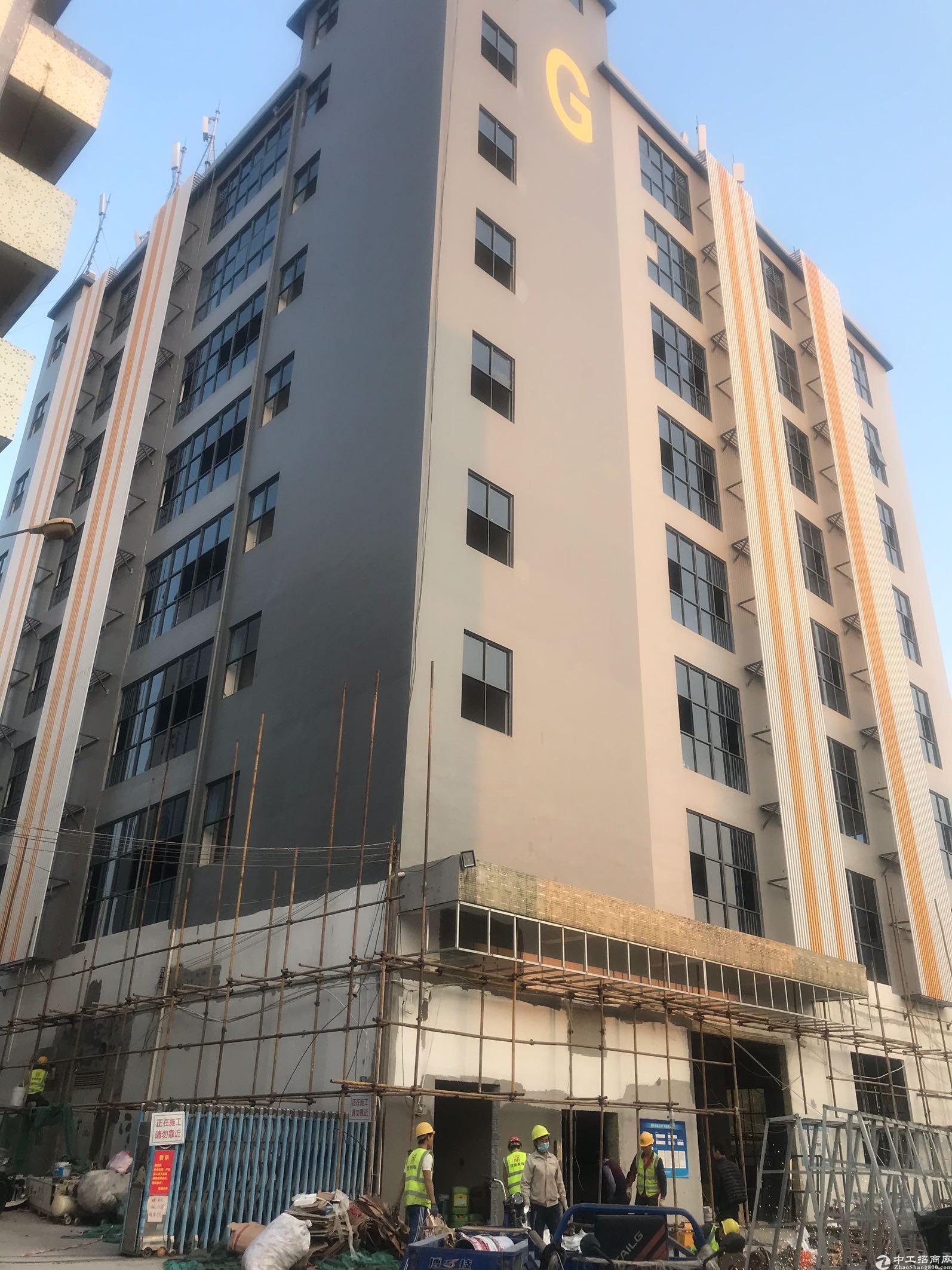西乡固戍宝安大道边上楼上新出精装整层950平米,房东直租