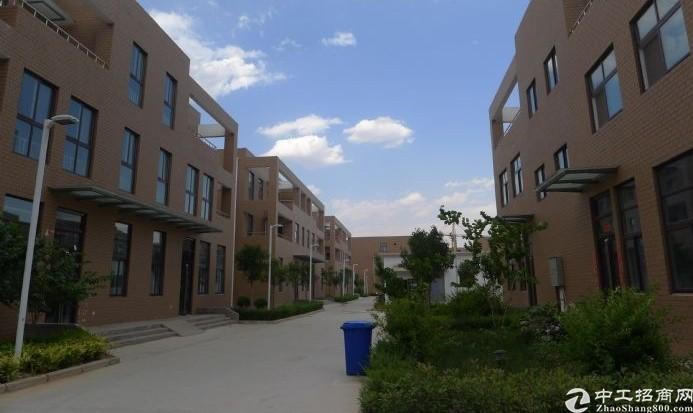 郑州中原出售12米层高厂房赠送院子独门独院
