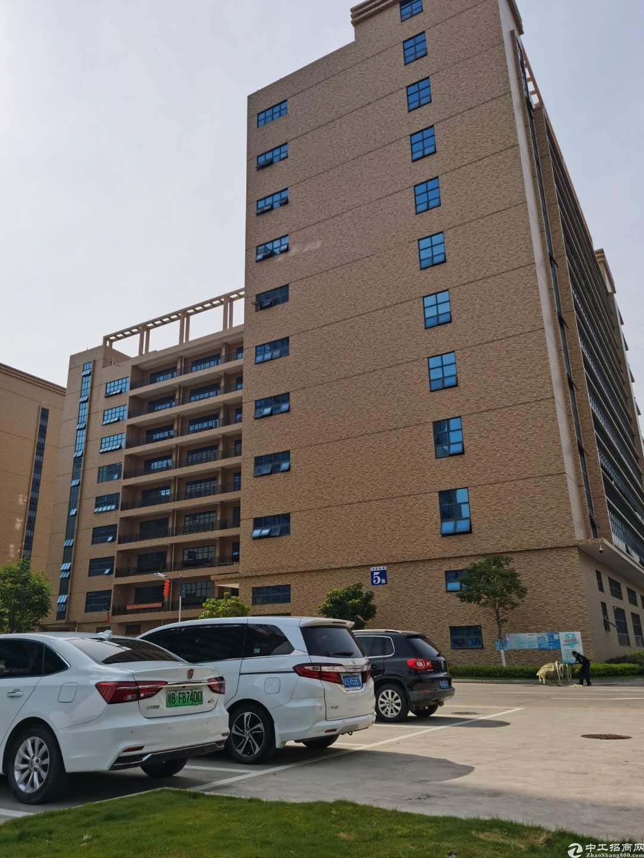 龙岗新生独院厂房仓库1万平小面积500平起分租一楼厂房高6米