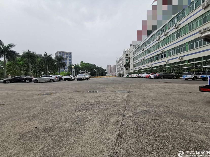 布吉联创科技园4楼精装修厂房可做仓库电商1200平出租。