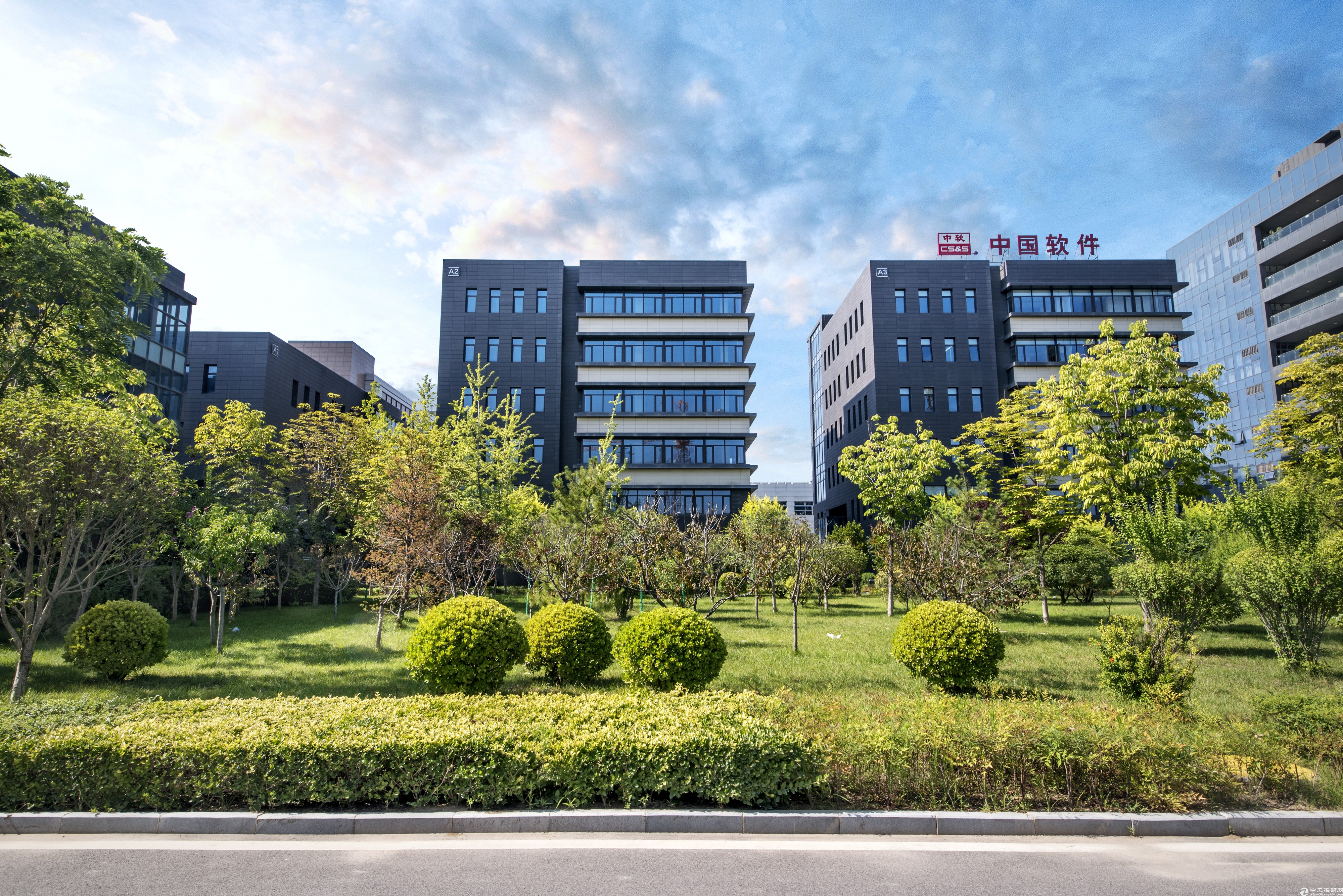 西安市未央区独栋产业楼2174㎡厂房出售