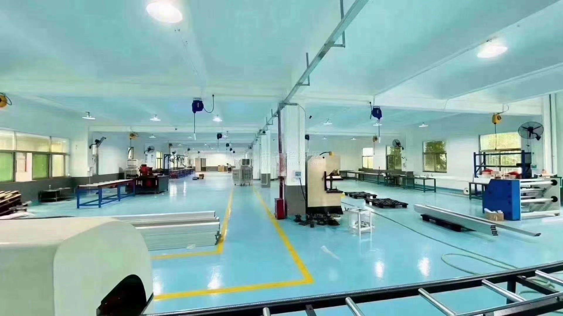 坂田上雪工业园2万平厂房出租200起分租一楼仓库有红本原房东