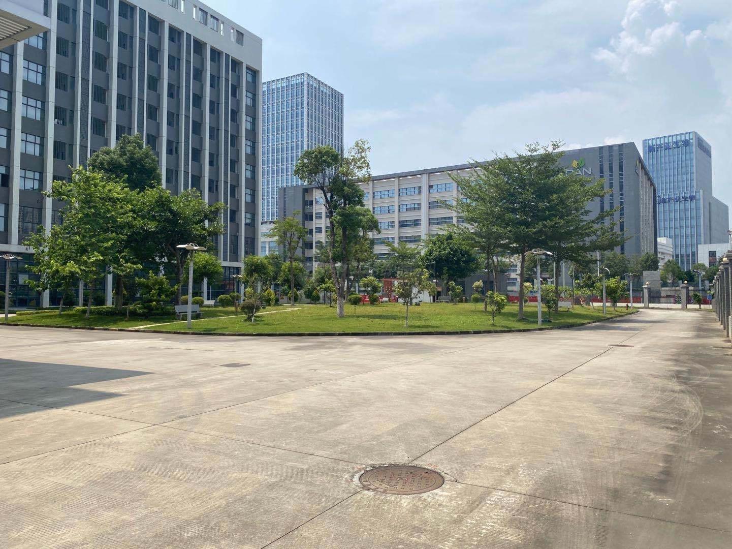 深圳南山3万平独门独院厂房出租500平起分租一楼仓库