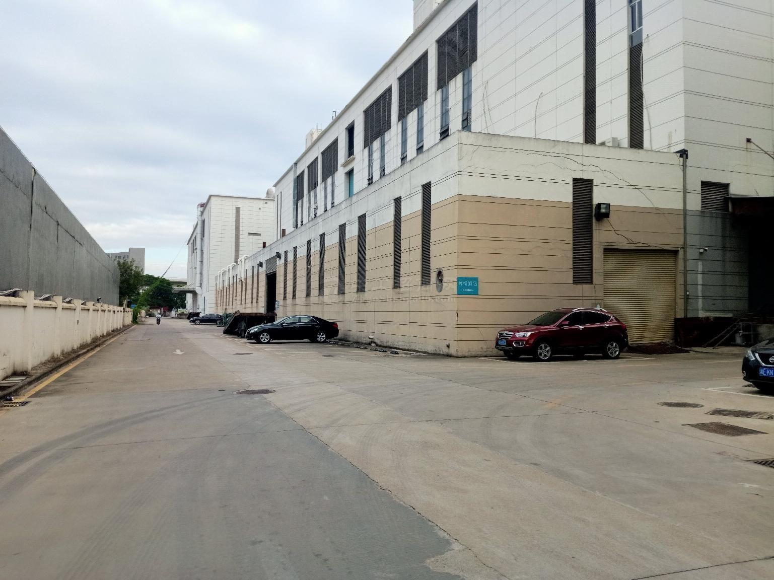 西乡固戍地铁站附近精装修厂房,仓库,办公出租1000平