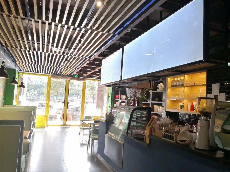 龙华旺街地段现成咖啡厅招租 配套齐全 适合各行各业