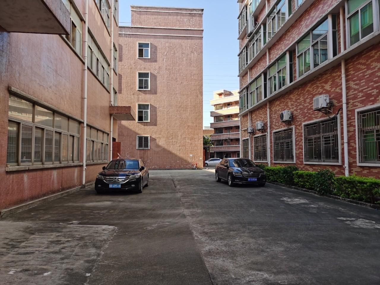 布吉吉华工业区2400平厂房出租仓库原房东,可分租可整租