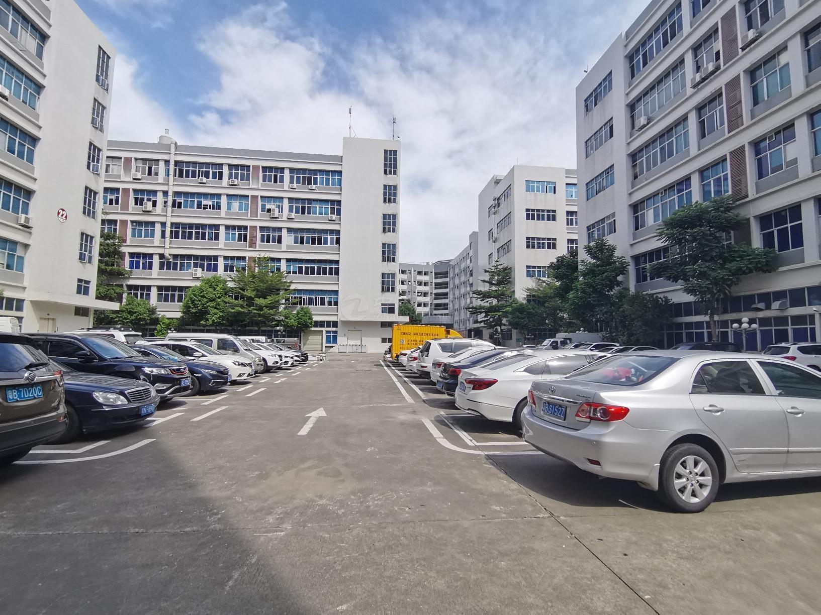 坂田地铁口电商园2000平厂房仓库办公出租,停车位充足可分租