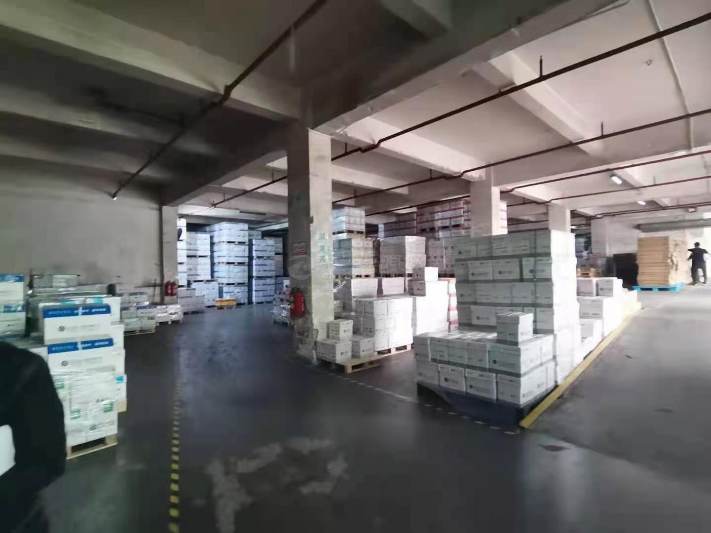 布吉李朗工业园区5000平标准厂房仓库办公出租!有超大空地!