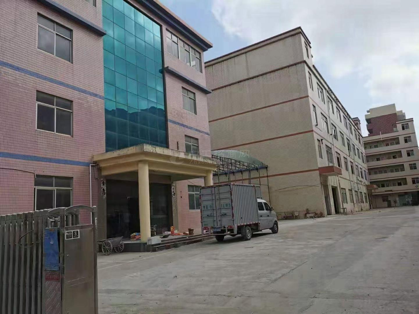 布吉独院红本标准厂房8000平办公仓库出租!面积大小可分租!