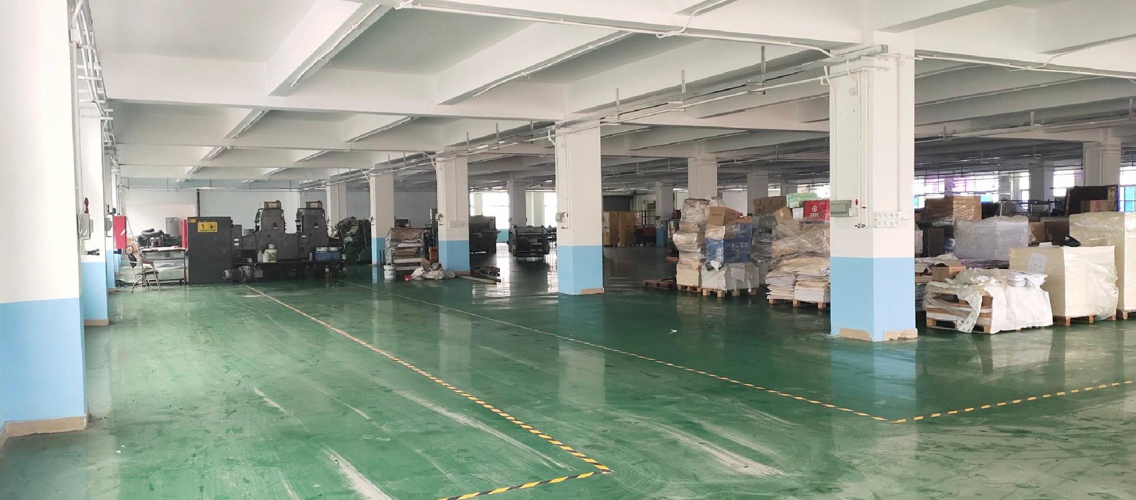 西乡固戍13000平标准厂房仓库出租可分组有货梯有消防