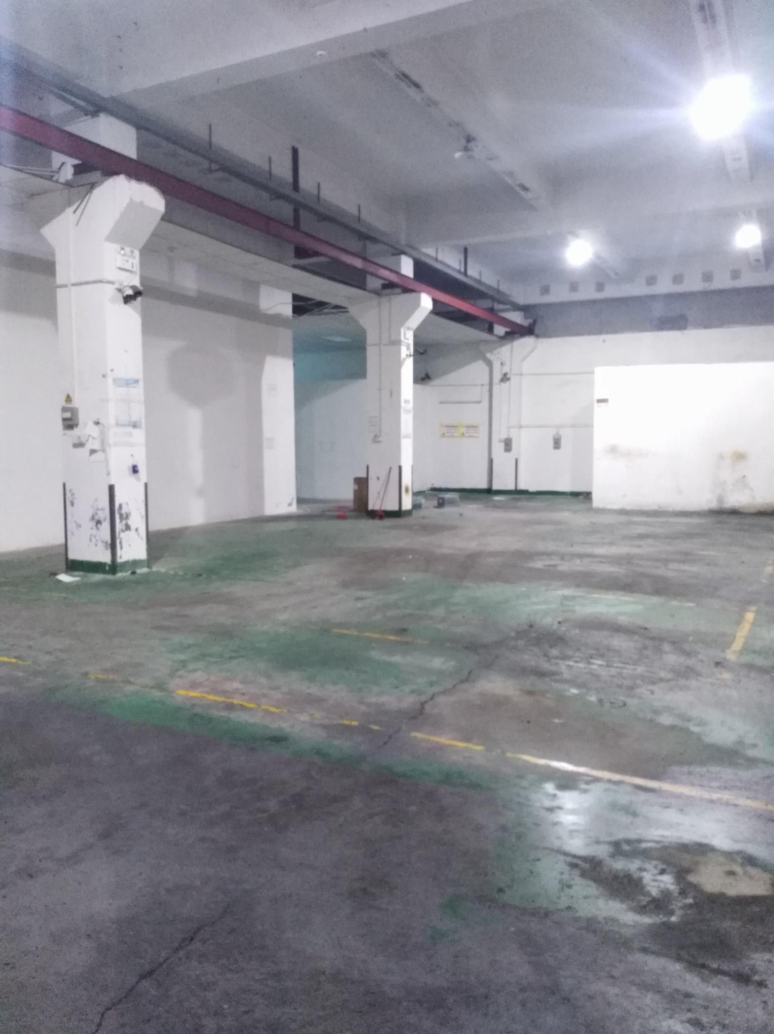 西乡,宝田前进二路边一楼600平带行车厂房仓库出租
