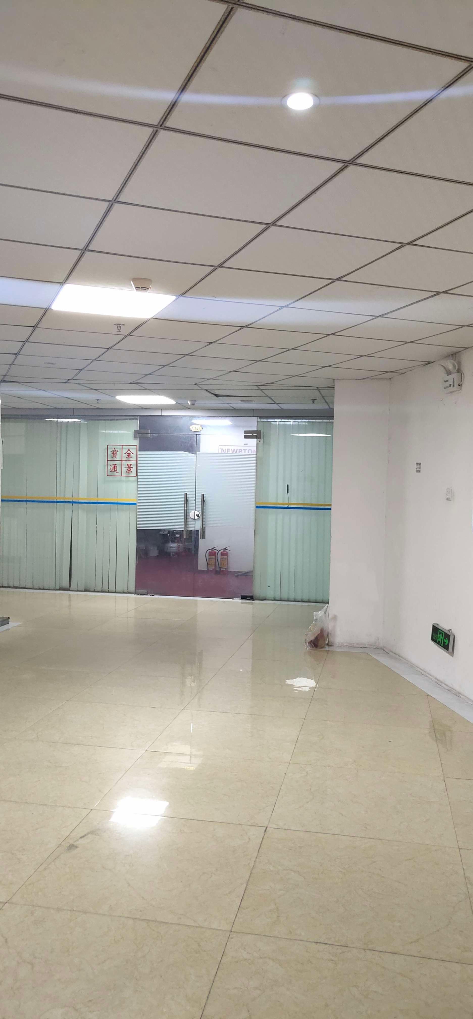 西乡固戍一楼精装修厂房仓库30元1平3000平60平起租