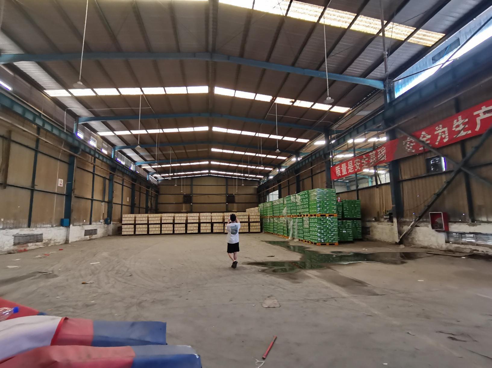 南山西丽大勘工业园区1400平红本钢构一楼仓库厂房出租可分租