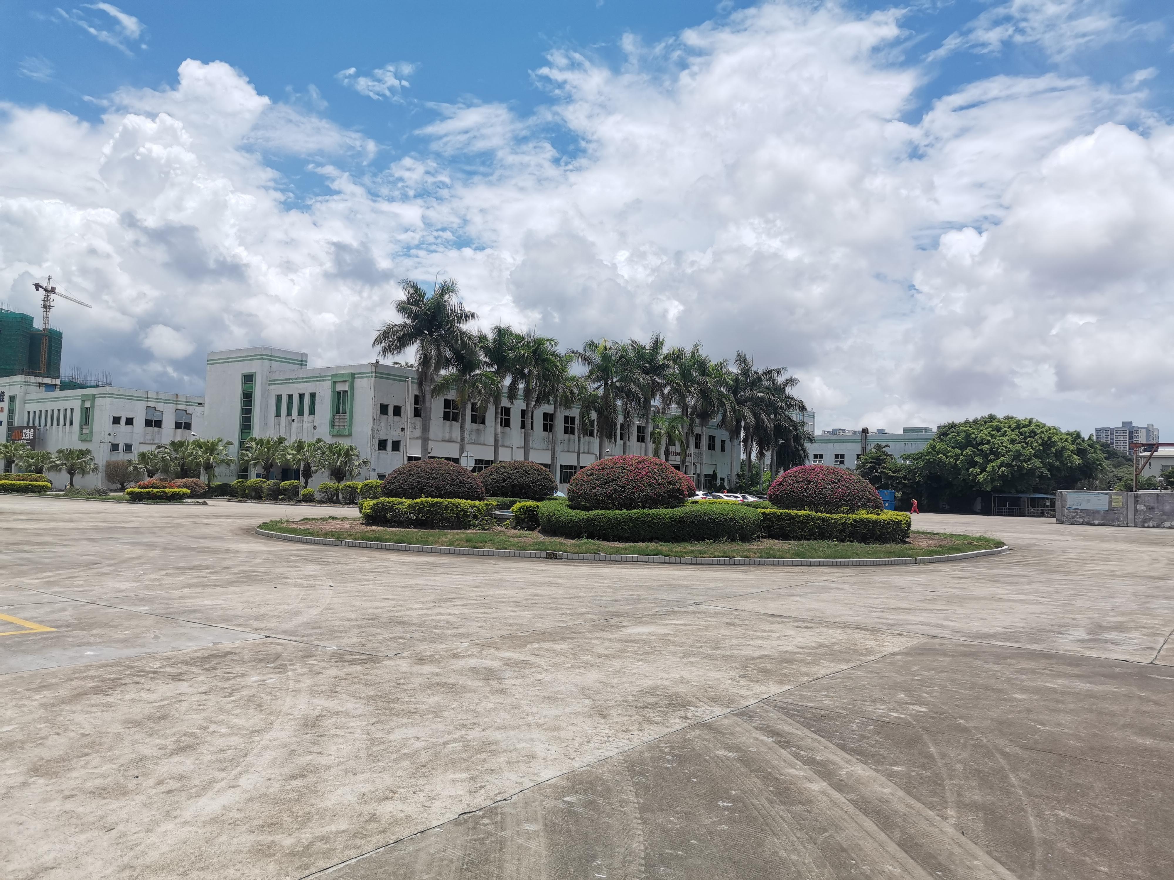 龙岗平湖富民工业园区仓库厂房出租总面积2万平大小可分一楼