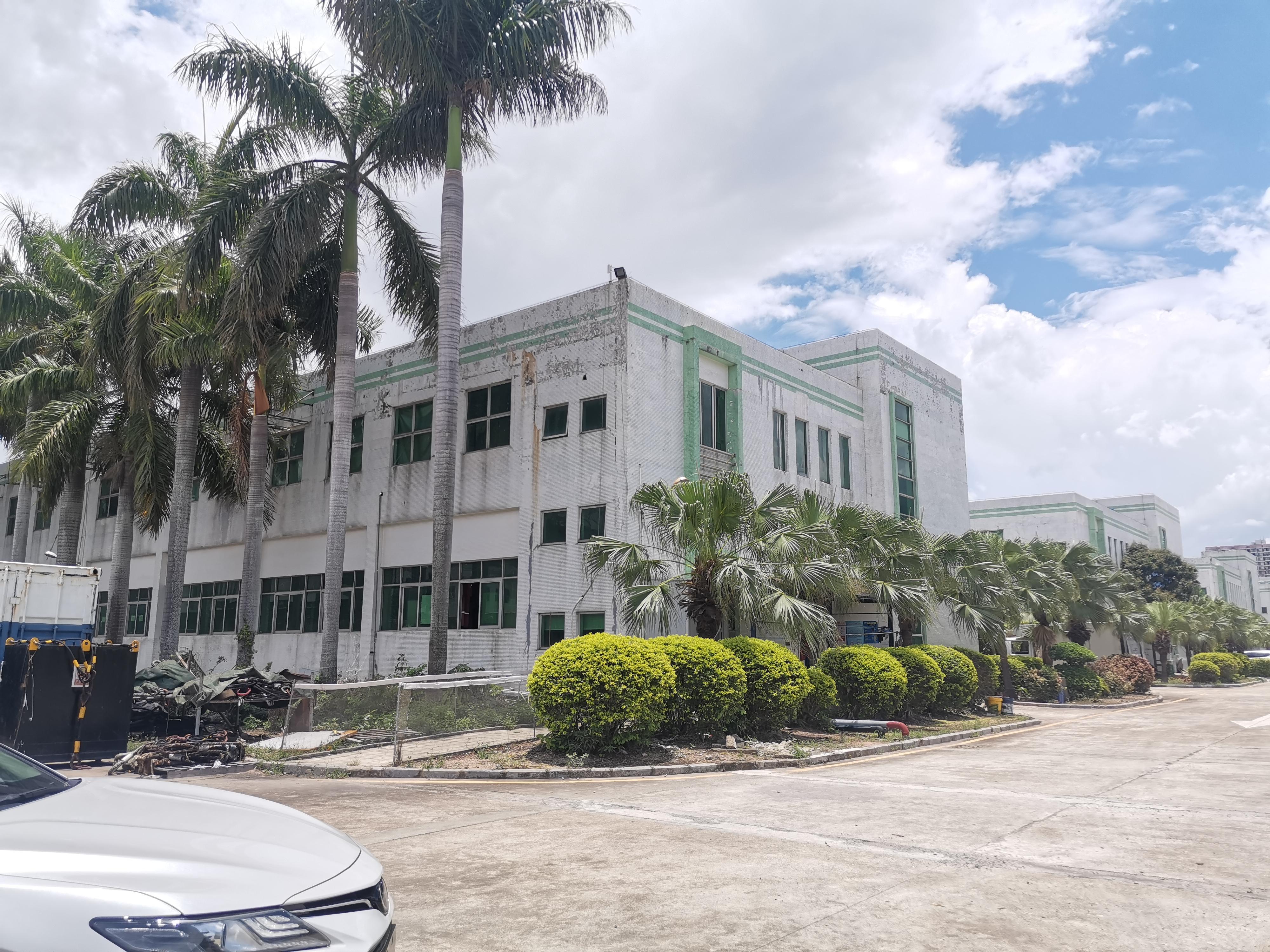 龙岗平湖富民工业园区仓库厂房出租总面积3万平大小可分一楼