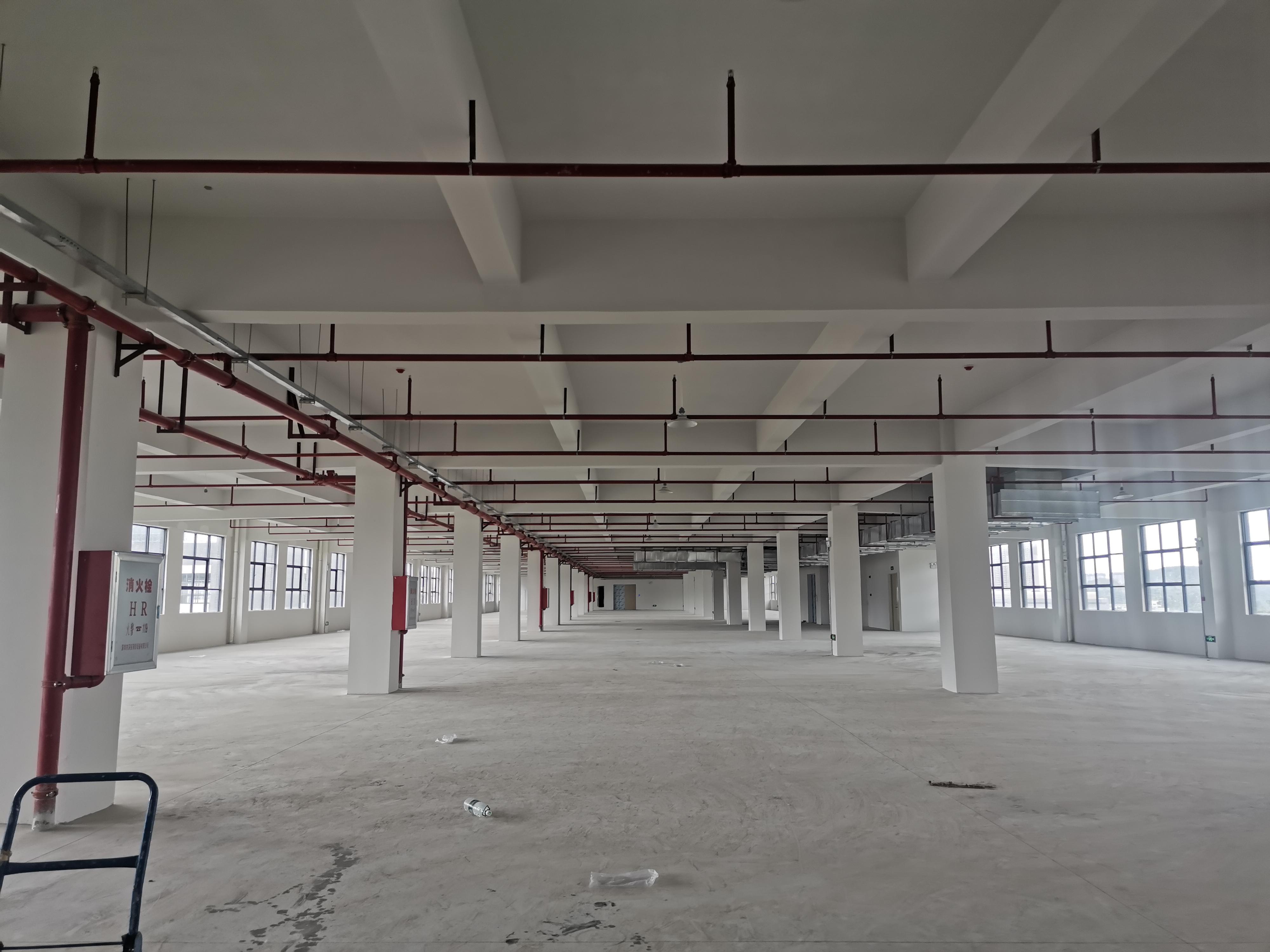 龙岗区平湖地铁口仓库厂房出租总面积1万平可分租楼上电商