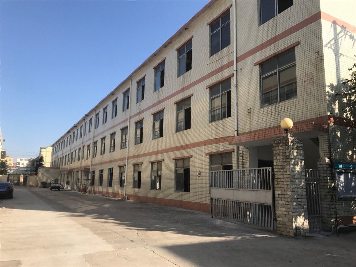 坪山独院厂房仓库5700平出租带隔好办公室,十年合同大小分租